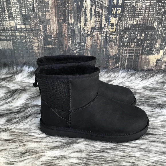 new york best collection how to choose ✨Women's UGG Classic Mini II Snake in Black ✨